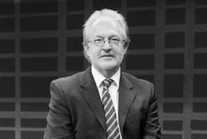 <b>Prof. Dr. Roland Greule</b>